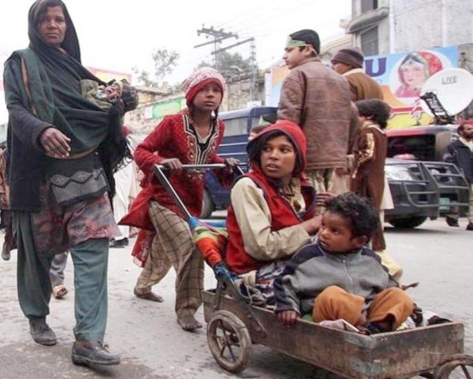 पाकिस्तान के भीख माफिया के अपराधी और पीड़ितct