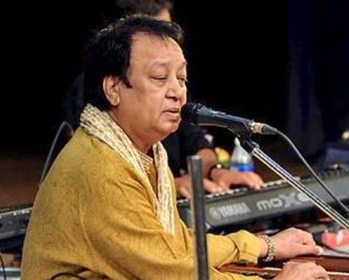 30 Famous Indian Ghazal Singers of All Time – Bhupinder Singh