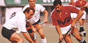 Which Desi Hockey Player became GB's Olympic Hero? - F