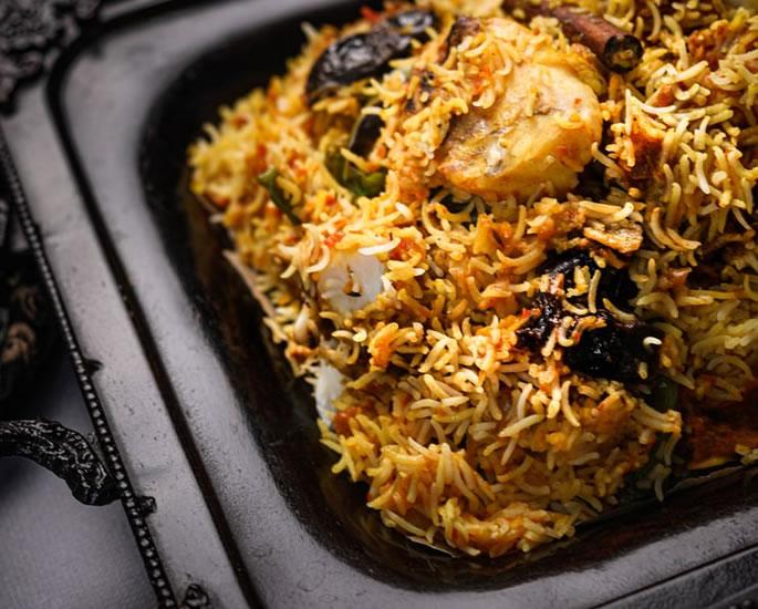 रात के खाने के लिए 5 सर्वश्रेष्ठ भारतीय मछली व्यंजन - बिरयानी