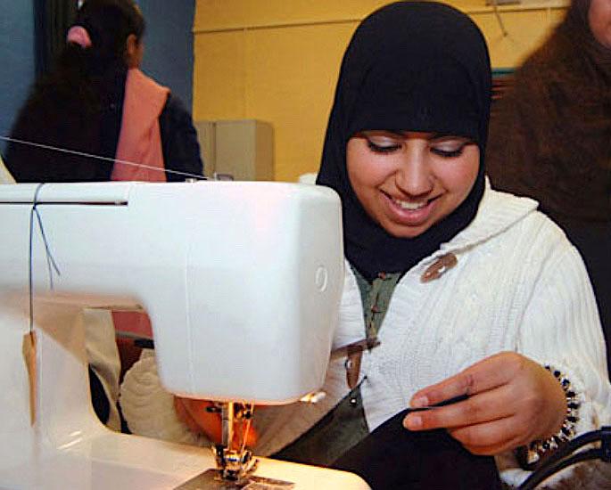 ब्रिटिश पाकिस्तानी मुली पितृसत्तापासून मुक्त आहेत का? - आयए 6