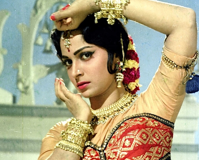 How has the Bollywood Heroine Image Changed_ – 1960s_ Strong Women