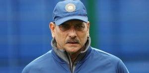 भारतीय क्रिकेट के मुख्य कोच रवि शास्त्री ने कोविड -19 को अनुबंधित किया
