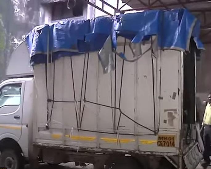 ممبئی عورت کی تشدد اور زیادتی کی موت سے حیران - ٹرک۔