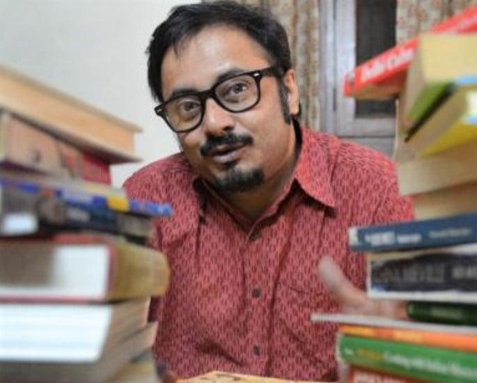 8 பிரபல இந்திய கிராஃபிக் நாவலாசிரியர்கள் ஆராய