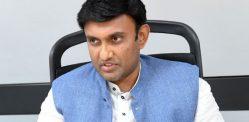 भारतीय मंत्री ने 'सेक्सिस्ट' टिप्पणी के लिए फ़्लैक खींचा