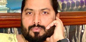 पाकिस्तानी गीतकार असीम रजा ने भारतीय गायकों को बताया 'चीटर'