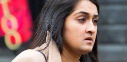 একজন নারী বসকে £১ হাজার টাকা দিয়ে প্রতারণা করে 'পালিয়ে যাওয়া বিয়ে' করার জন্য